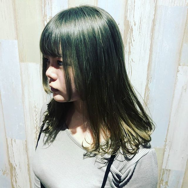 ダブルカラーのお客様  ミルクティー色にしました。ブリーチして、カラーをオンとってもいい色になりましたー🤡#hairsalonblue#白岡市美容室 #ダブルカラー #ミルクティー#ブリーチ