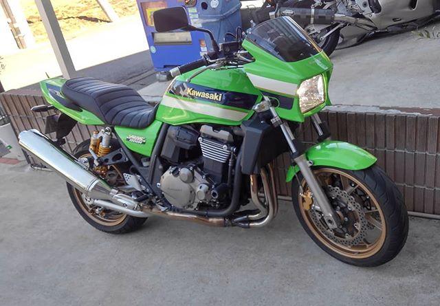 bluemotorsです。本日は、バイクの継続車検にいってきました。花粉症なので、バイク乗るのが辛いです… 無事、継続車検完了。さて、本業やります️ #bluemotors #バイク車検#zrx1200daeg